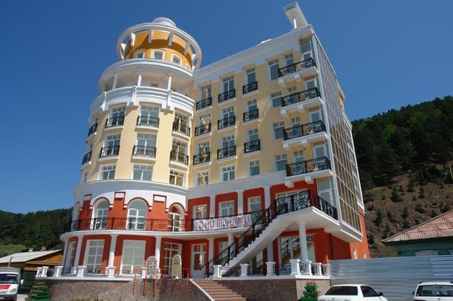 отель маяк в листвянке