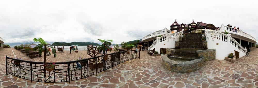 Летняя терраса в отеле Легенда Байкала