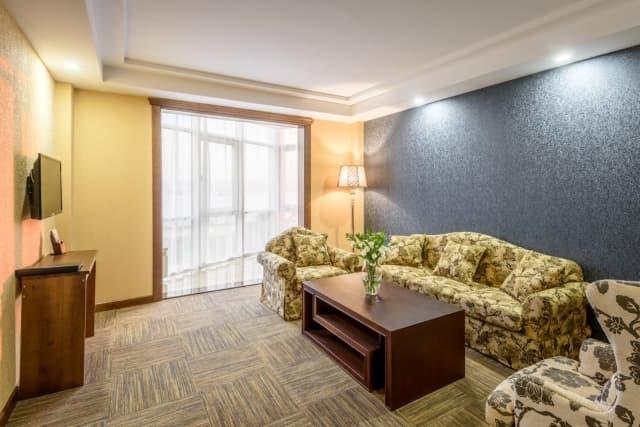 Гостиничный комплекс Байкал-Северное море, номер Сьют (вторая комната)