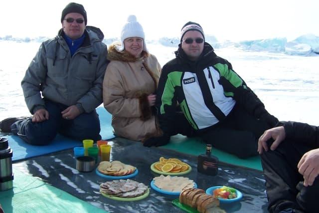 Пикник на льду Байкала