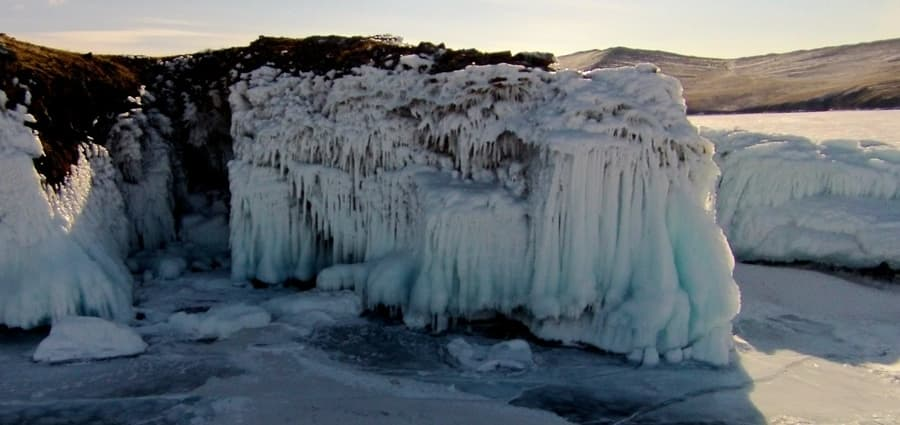 Малое море на Байкале зимой