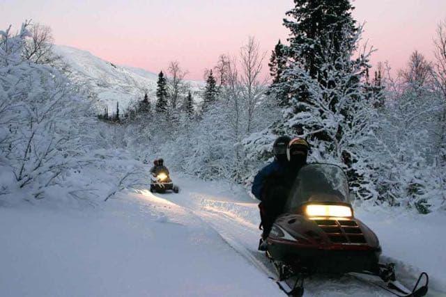 На снегоходах по сибирской тайге