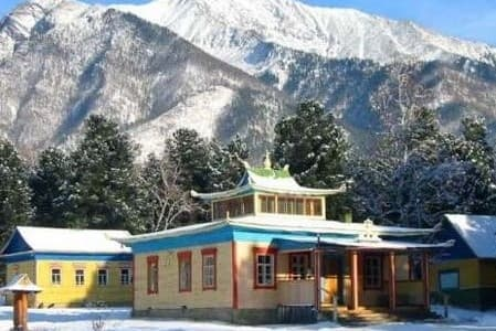 Буддийский дацан в поселке Аршан