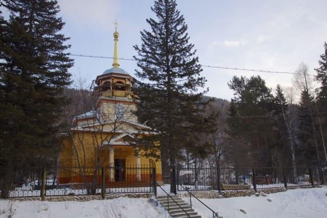 Сельская Церковь в пос. Листвянка
