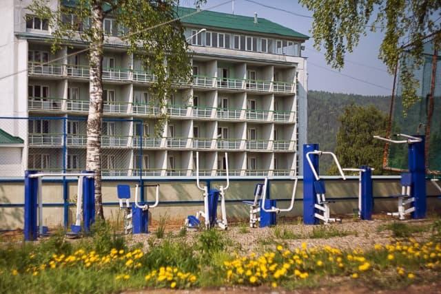 Гостиница Прибайкальская в Листвянке