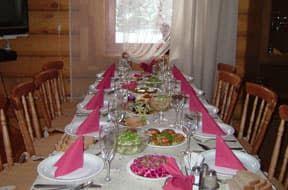 Гостиная-столовая в шале Золотая сова