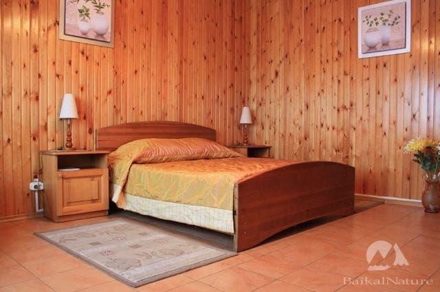 Гостиница У озера в Листвянке
