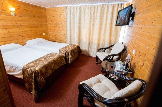 Отель Крестовая падь в Листвянке