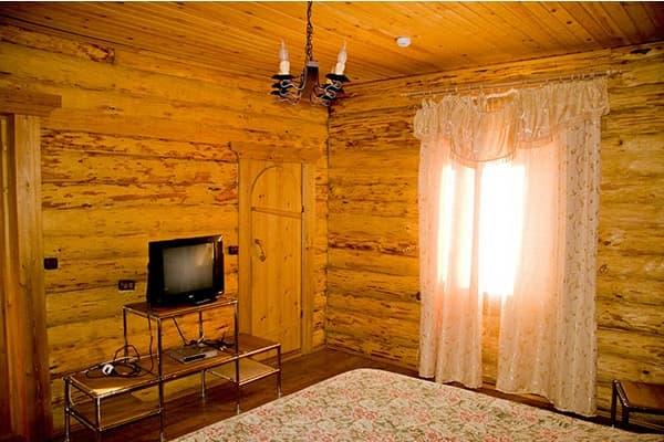 Гостиный двор Баяр на Малом море оз. Байкал, Бунгало  одноэтажный №6, спальня
