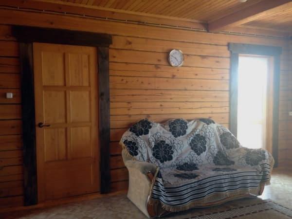 Гостиный двор Баяр на Малом море оз. Байкал, двухэтажные гостевые дом №12, холл