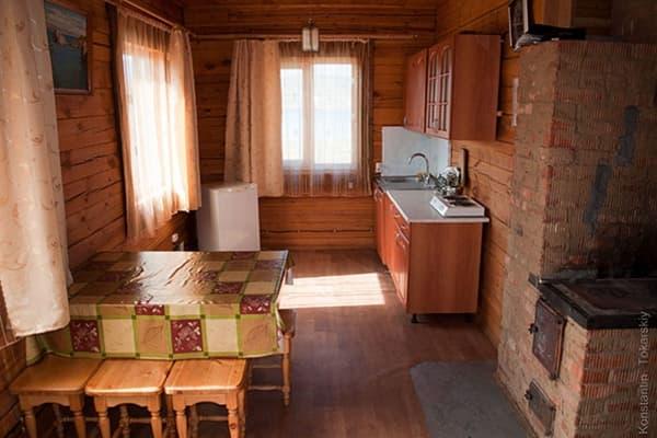 Гостиный двор Баяр на Малом море оз. Байкал, Бунгало  двухэтажный №1, кухня