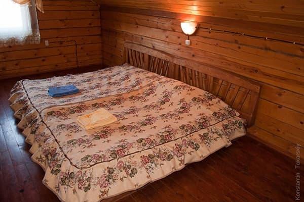 Гостиный двор Баяр на Малом море оз. Байкал, Бунгало  двухэтажный №2, спальня-полати