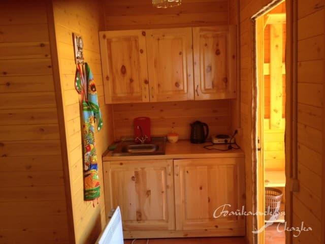 База отдыха Байкальская сказка на Малом море, Благоустроенный 3х-местный дом с кухней