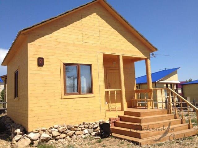 База отдыха Байкальская сказка, Благоустроенный 3х-местный дом с кухней