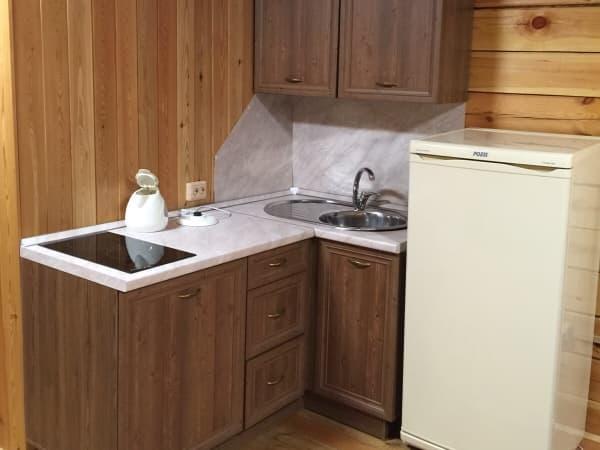 База отдыха Наратэй на Малом море, Благоустроенный 3-х комнатный номер с кухней