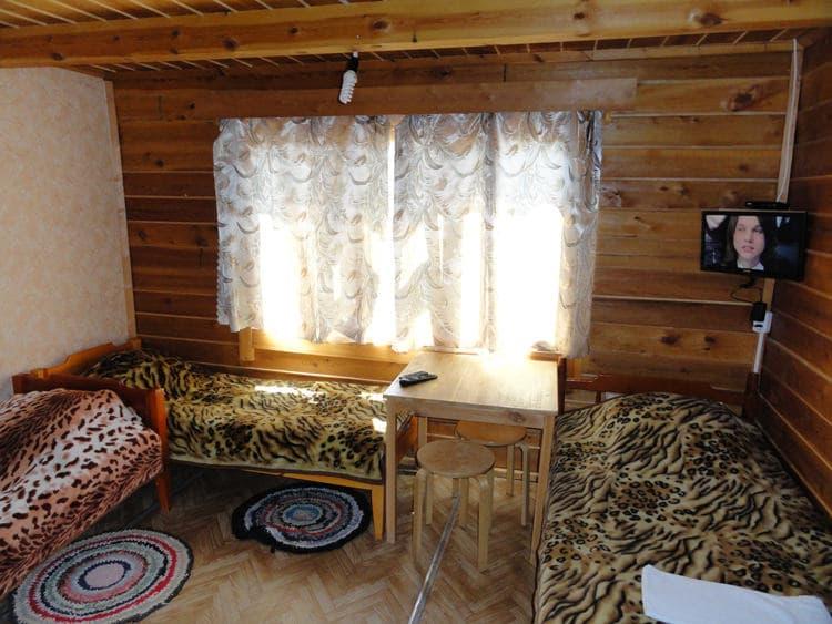 База отдыха Ранчо Лагуна на Малом море, оз. Байкал, домик с летней кухней