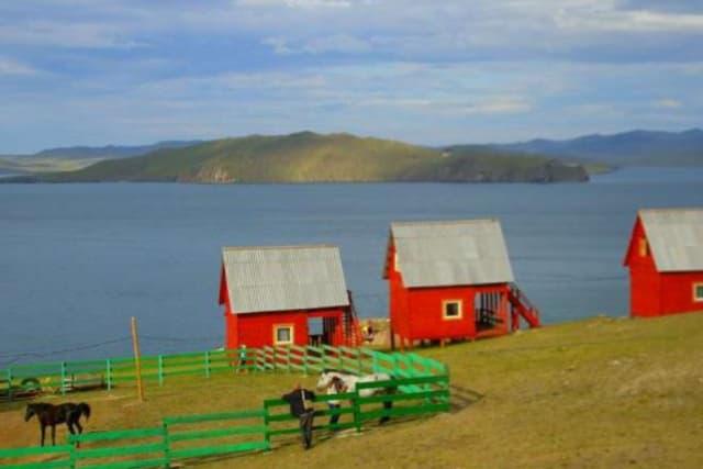 Усадьба Ковчег Байкала на Малом море, домики-бунгало