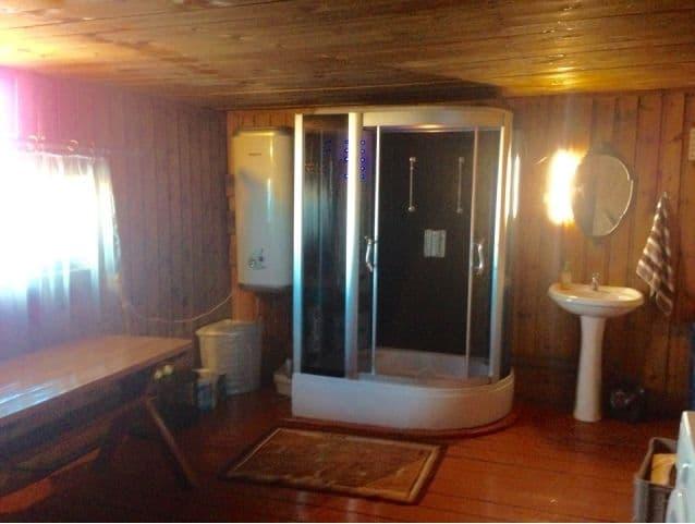 База отдыха Отдых на Байкале на острове Ольхон, душ на территории базы отдыха