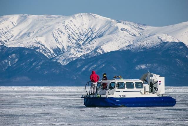 Зимний тур на Байкал Айсберги и нерпы