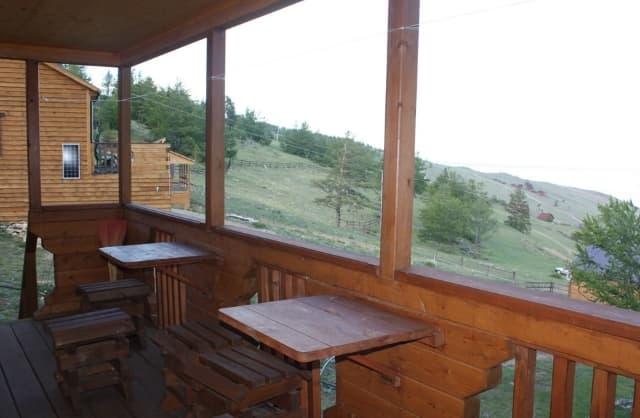 База отдыха на Байкале Родные берега, 3х-местный номер, веранда