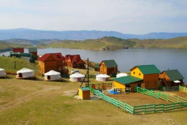 Усадьба Ковчег Байкала на Малом море,  монгольские юрты