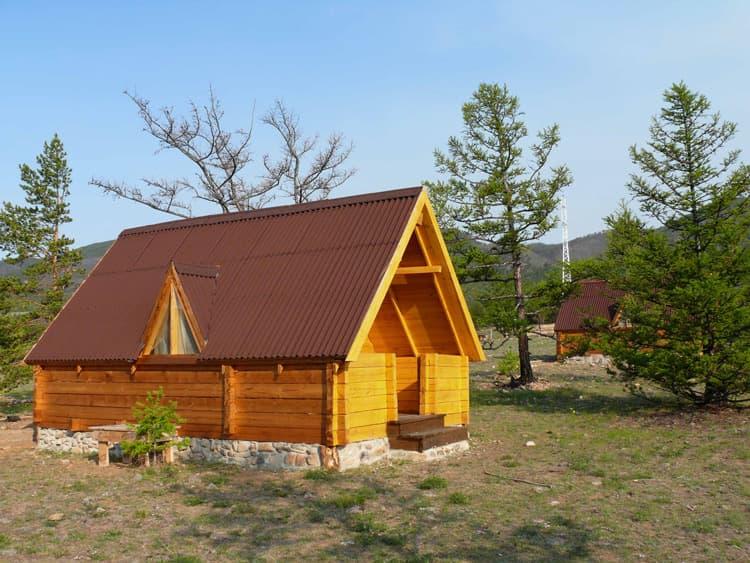 База отдыха Ранчо Лагуна на Малом море, оз. Байкал, дом с верандой и санузлом