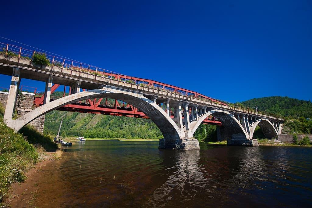 Мост на Кругобайкальской железной дороге