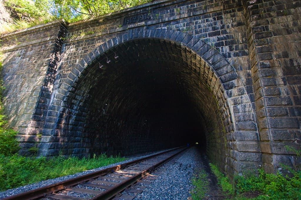 Тоннели на Кругобайкальской железной дороге