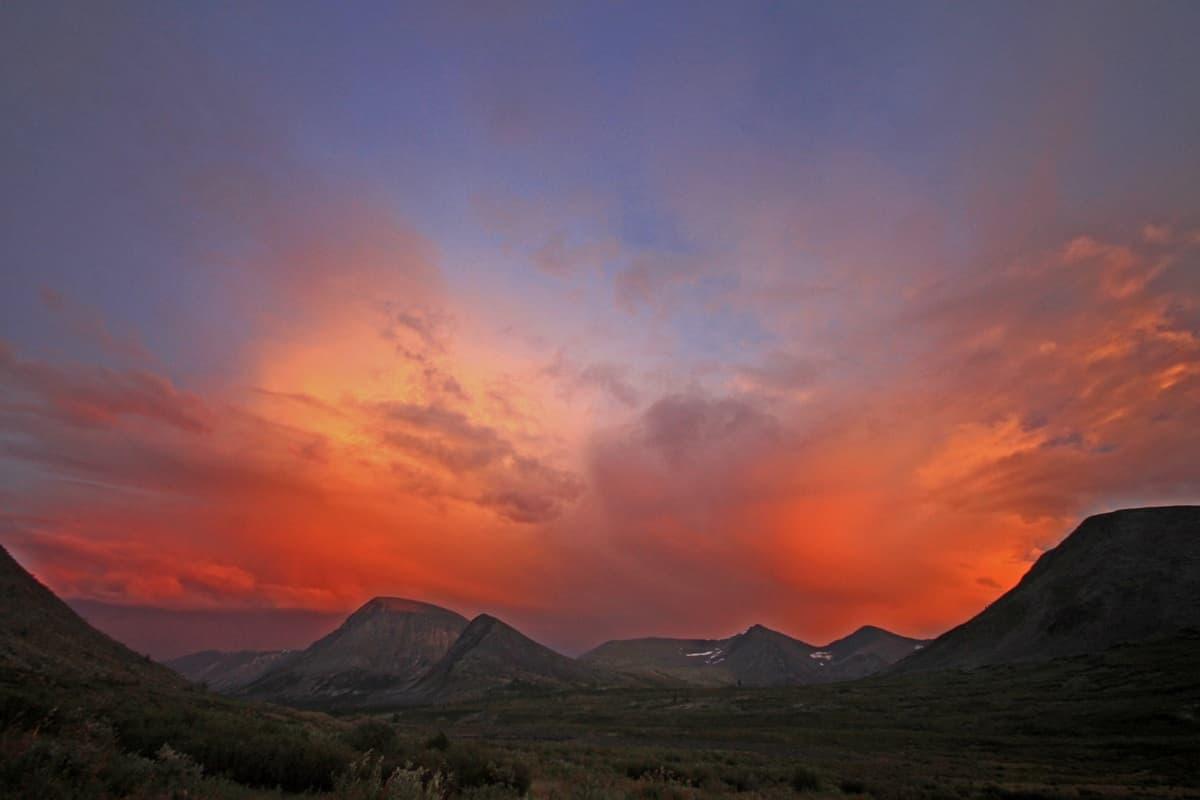 Закат в долине вулканов