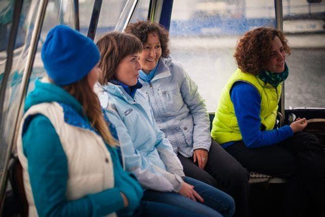 Морская прогулка по проливу Малое море на Байкале к острову Огой