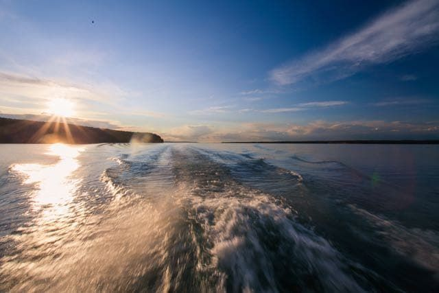 Морская прогулка по проливу Малое море на Байкале