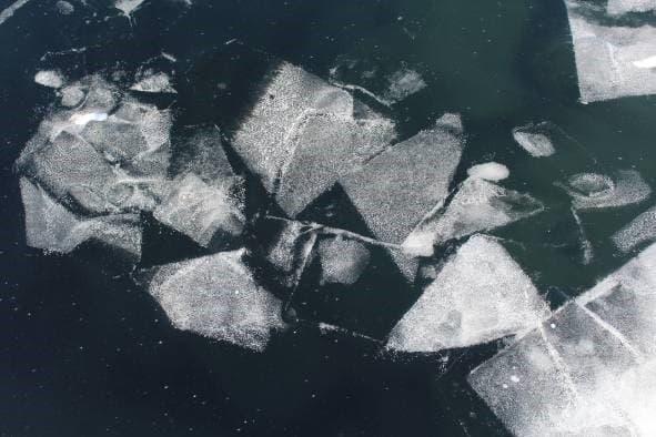 Узоры Байкальского льда
